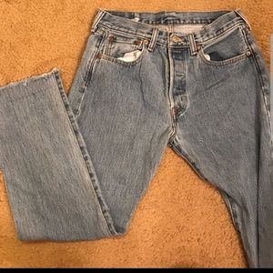 SIZE 29 LEVI'S SO CUTE!!!!